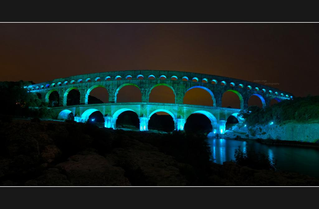 Акведук Пон-дю-Гар ночью