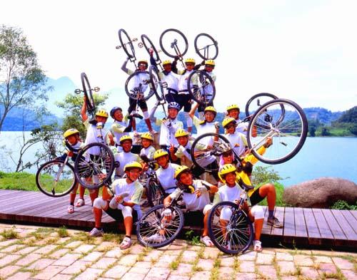 Велосипедисты, Тайвань.jpg