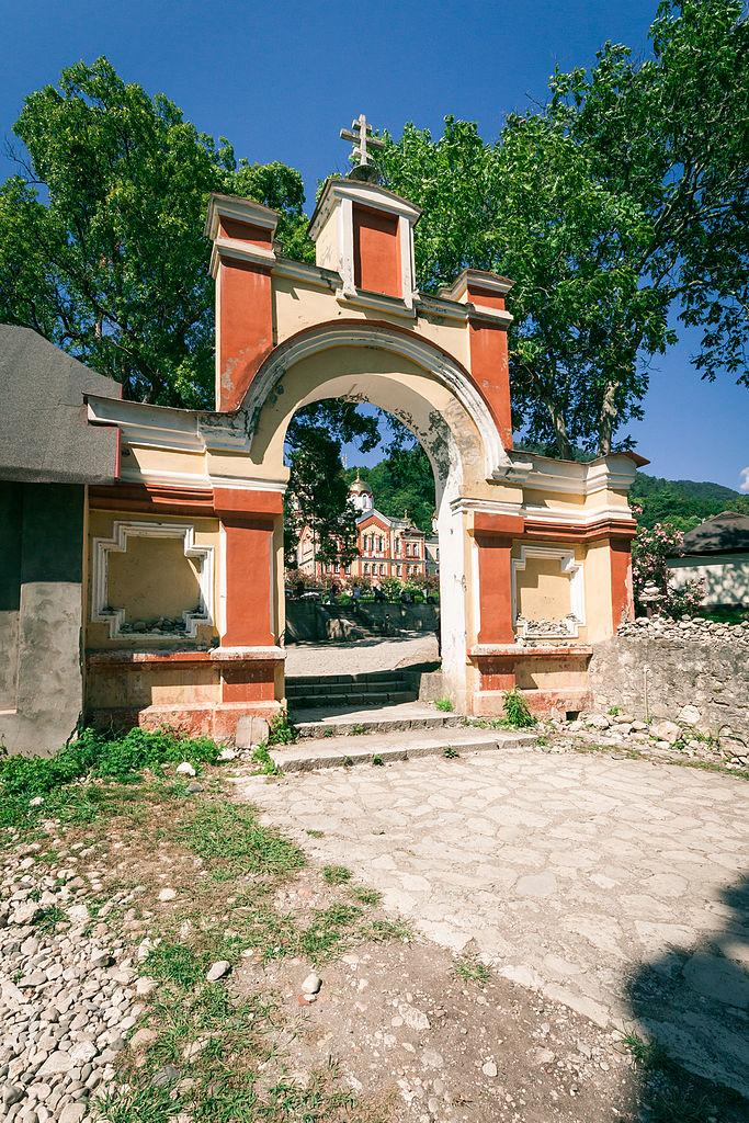 Новоафонский монастырь, ворота во двор