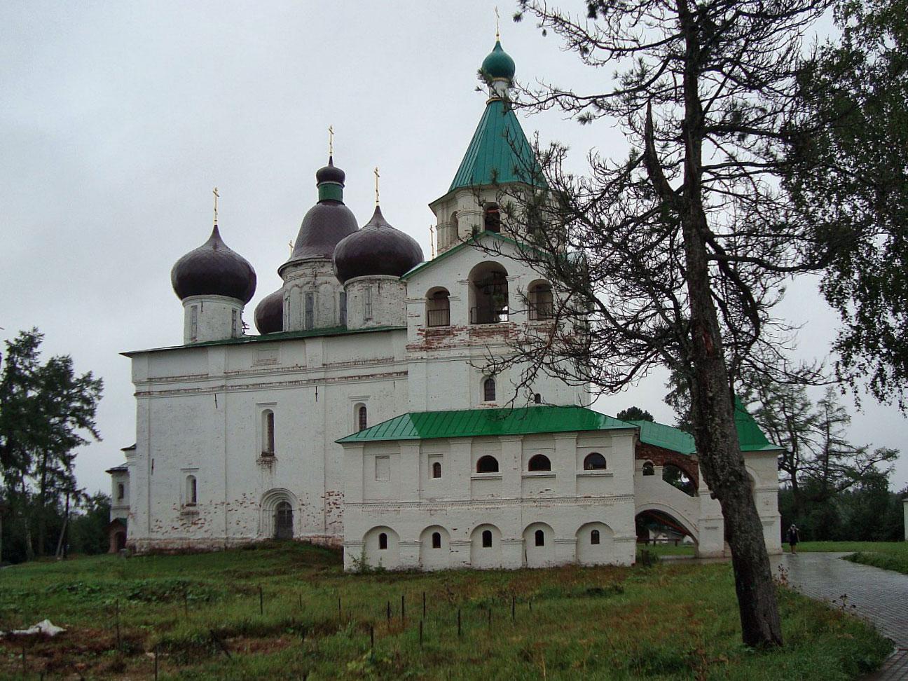 Антониево-Сийский монастырь, Троицкий собор с колокольней