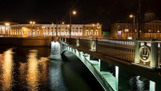 Мост на Васильевском острове, Санкт-Петербург