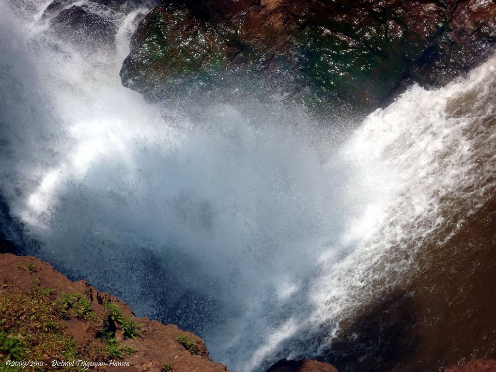 Вид на водопад Арвалем