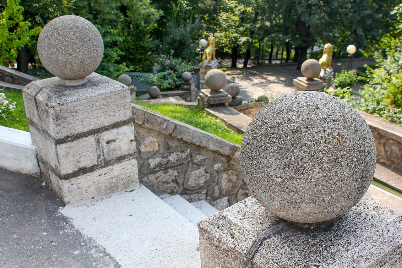 Дача эмира бухарского в Железноводске, лестница