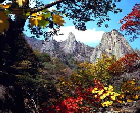 Горы Сораксан в провинции Канвон-до