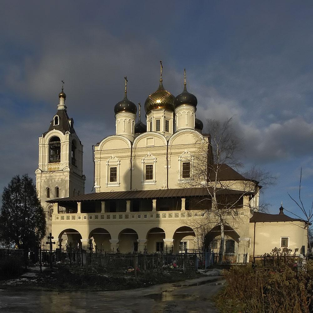 Подворье Соловецкого монастыря, Троицкий собор
