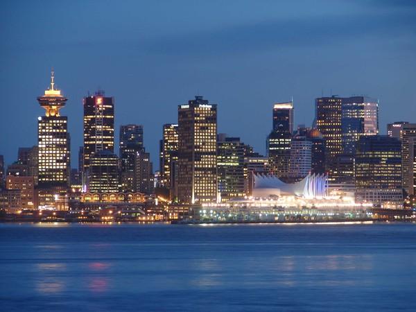 Ванкувер ночью, Канада.jpg