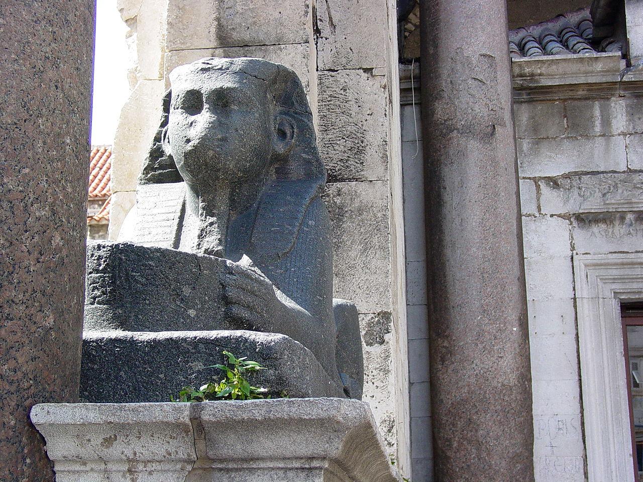 Дворец Диоклетиана, сфинкс