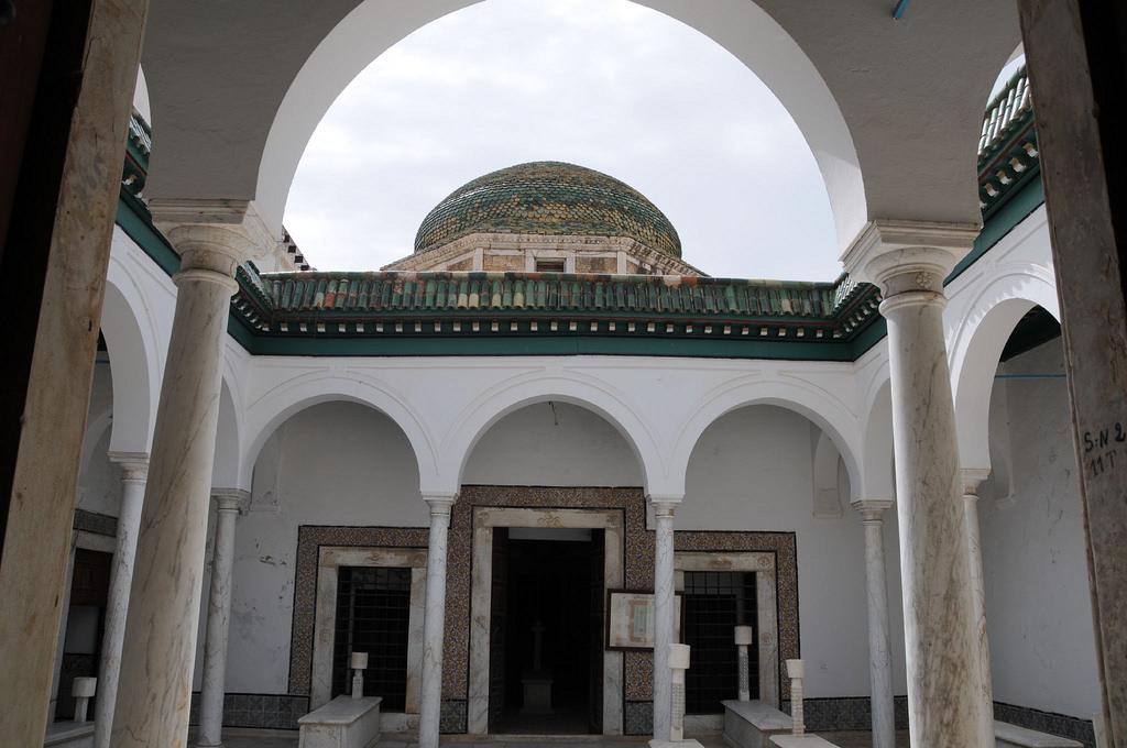 Медина города Тунис, усыпальница беев Торбет-эль-Бей