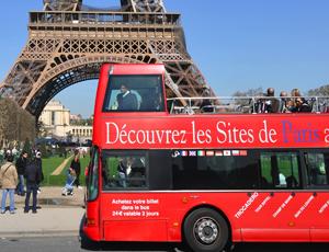 Туристический автобус Парижа