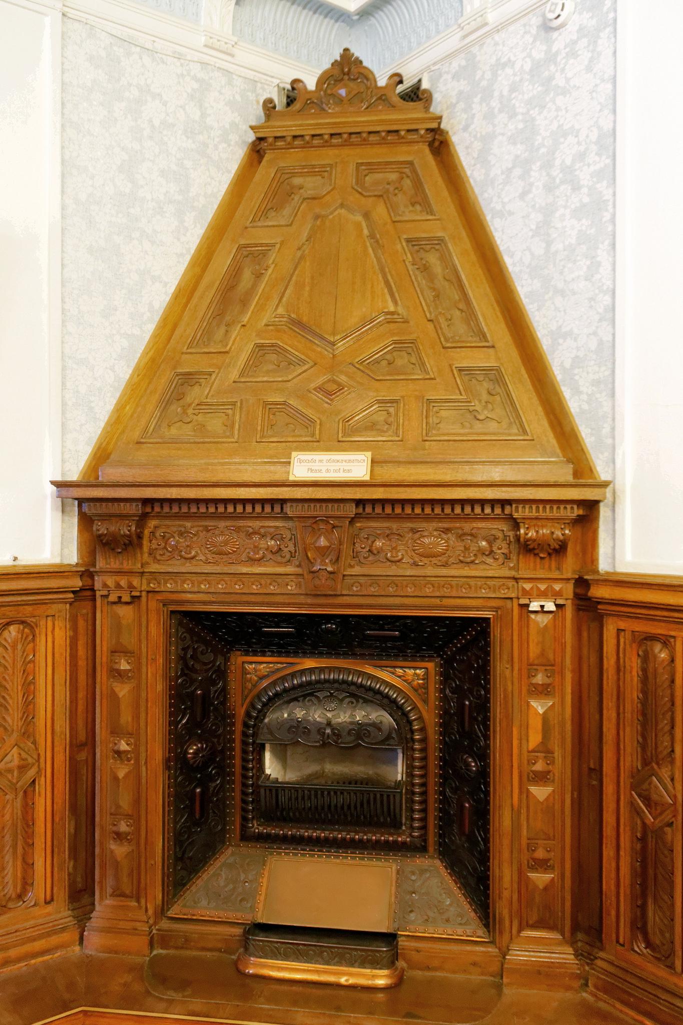 Камин в Массандровском дворце, Ялта