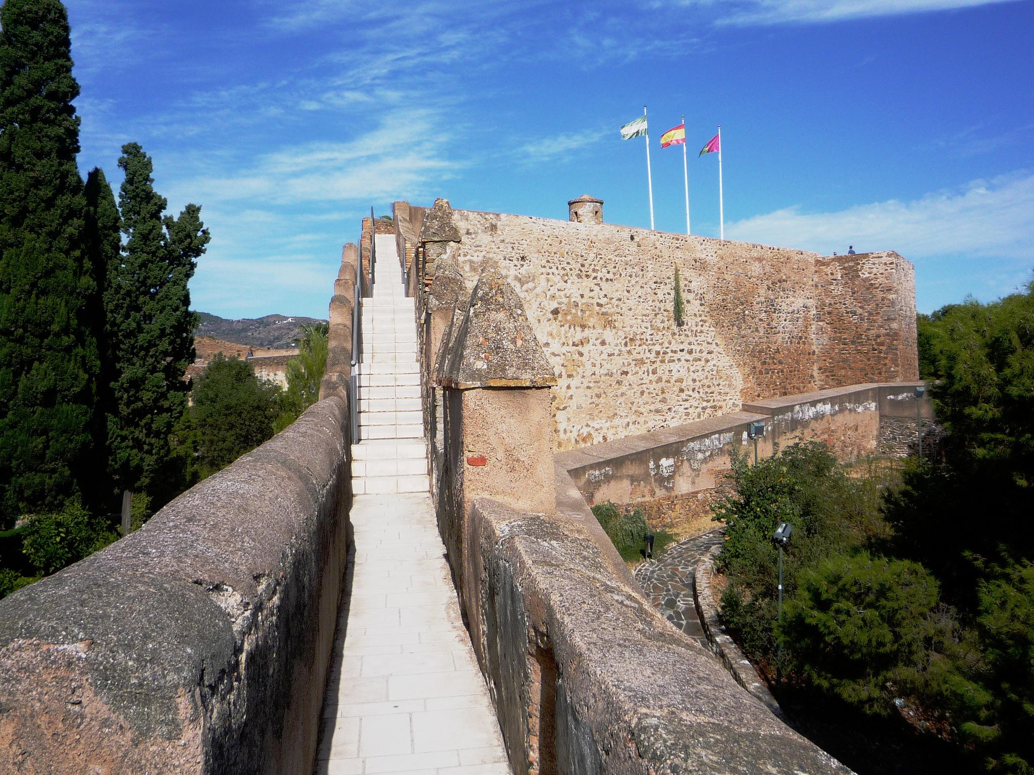 Крепость Хибральфаро, проход между двух стен