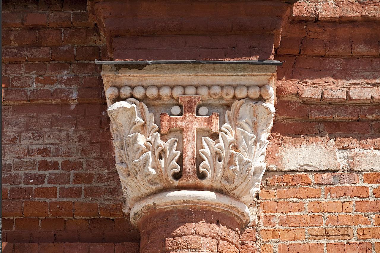 Покровский Хотьков монастырь, деталь фасада собора Николая Чудотворца
