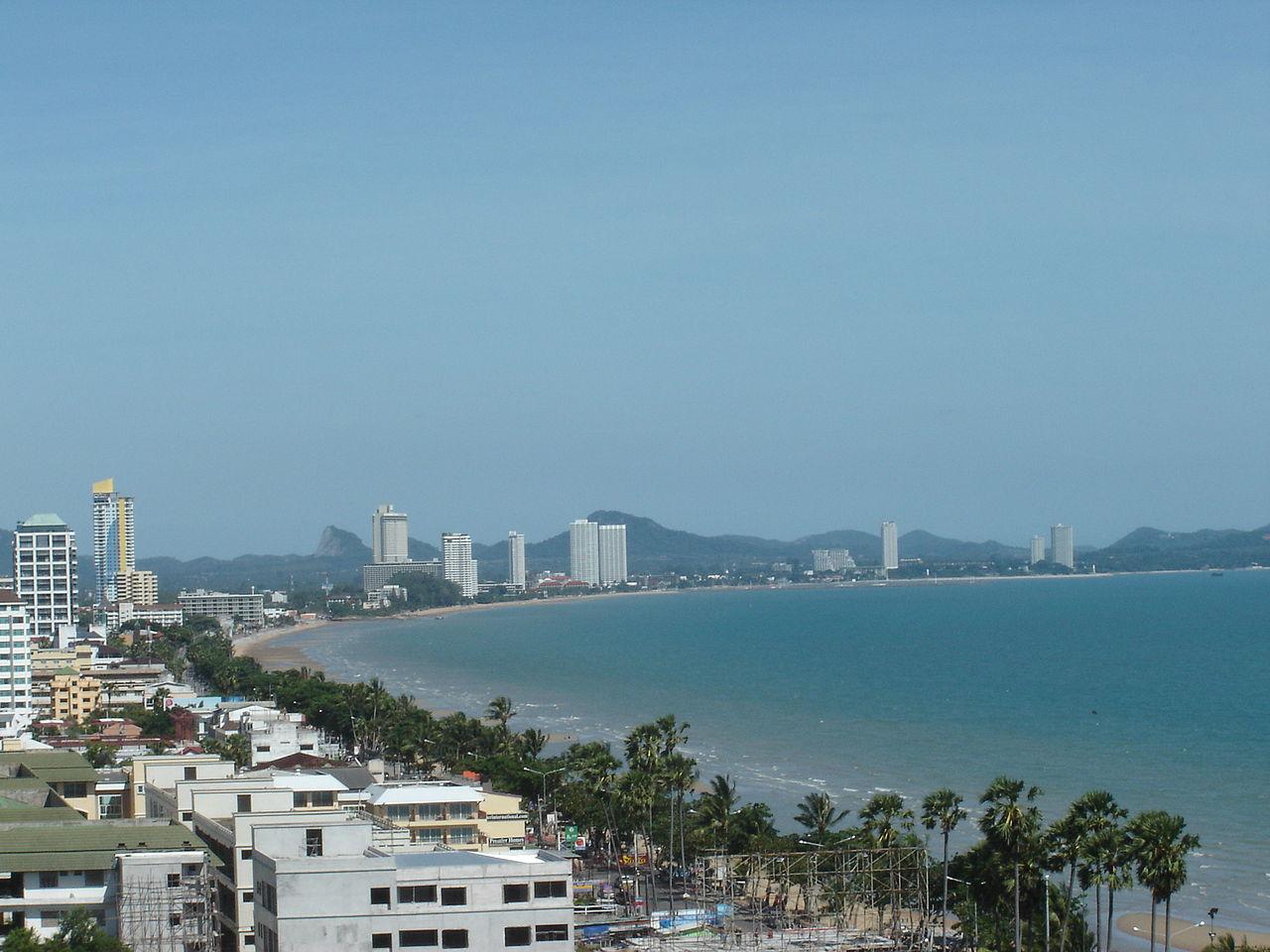 Вид на пляж Джомтьен
