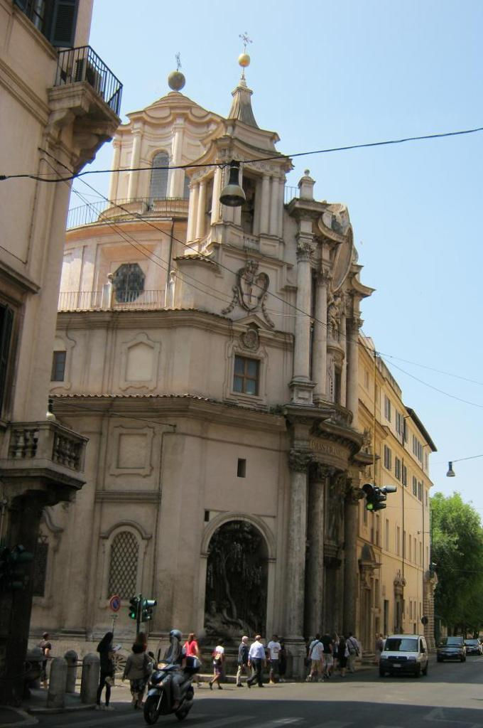 Церковь в Риме.JPG