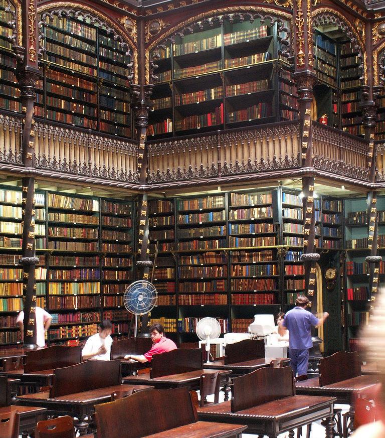 Читальный зал Португальской королевской библиотеки в Рио-де-Жанейро