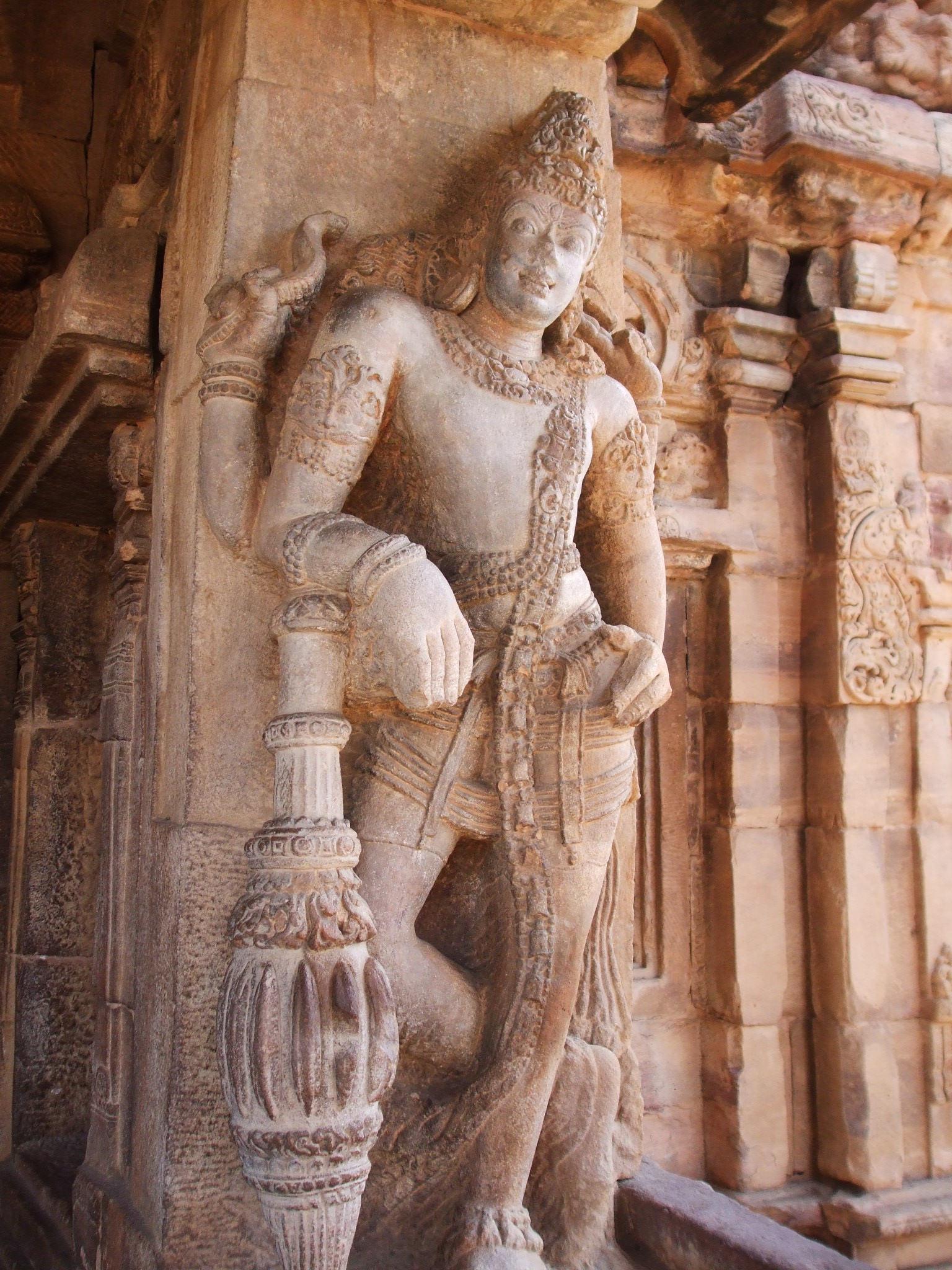 Скульптура в храме, Паттадакал, Карнатака