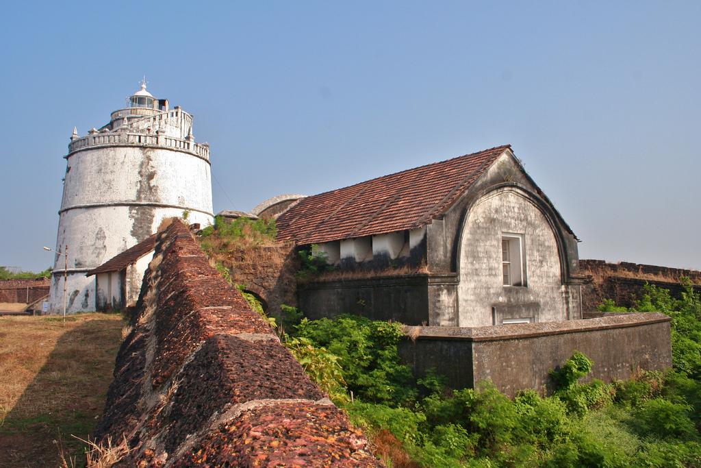 Форт Агуада, маяк и склад