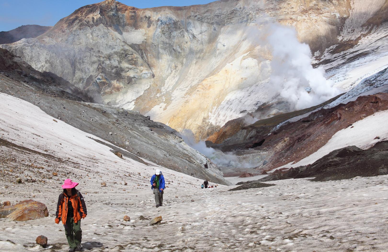 Вид на вулкан Мутновский