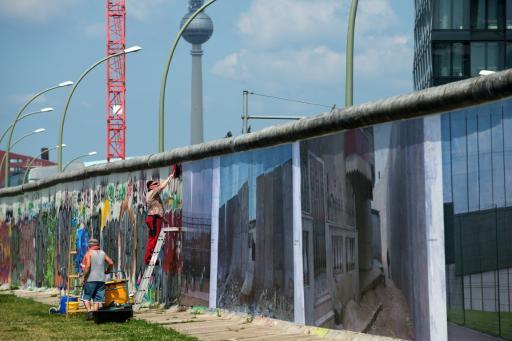 Фотографии стен на Берлинской стене.jpg