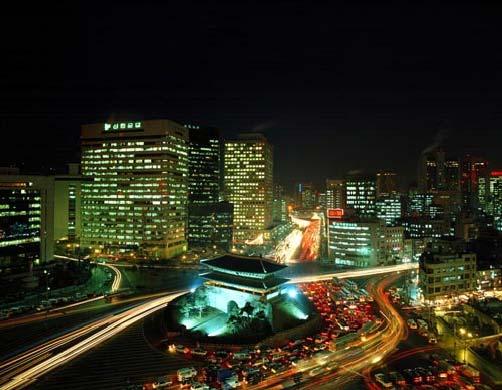 Южные ворота Намдэмун в Сеуле.jpg