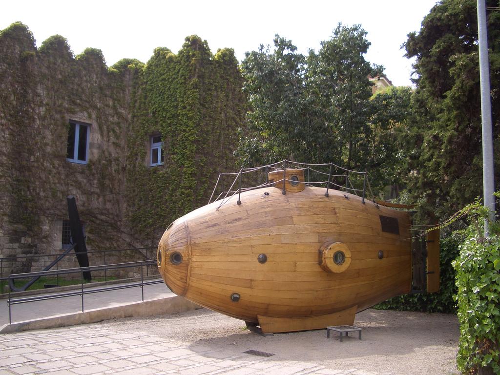 Морской музей Барселоны, субмарина Ictineo I