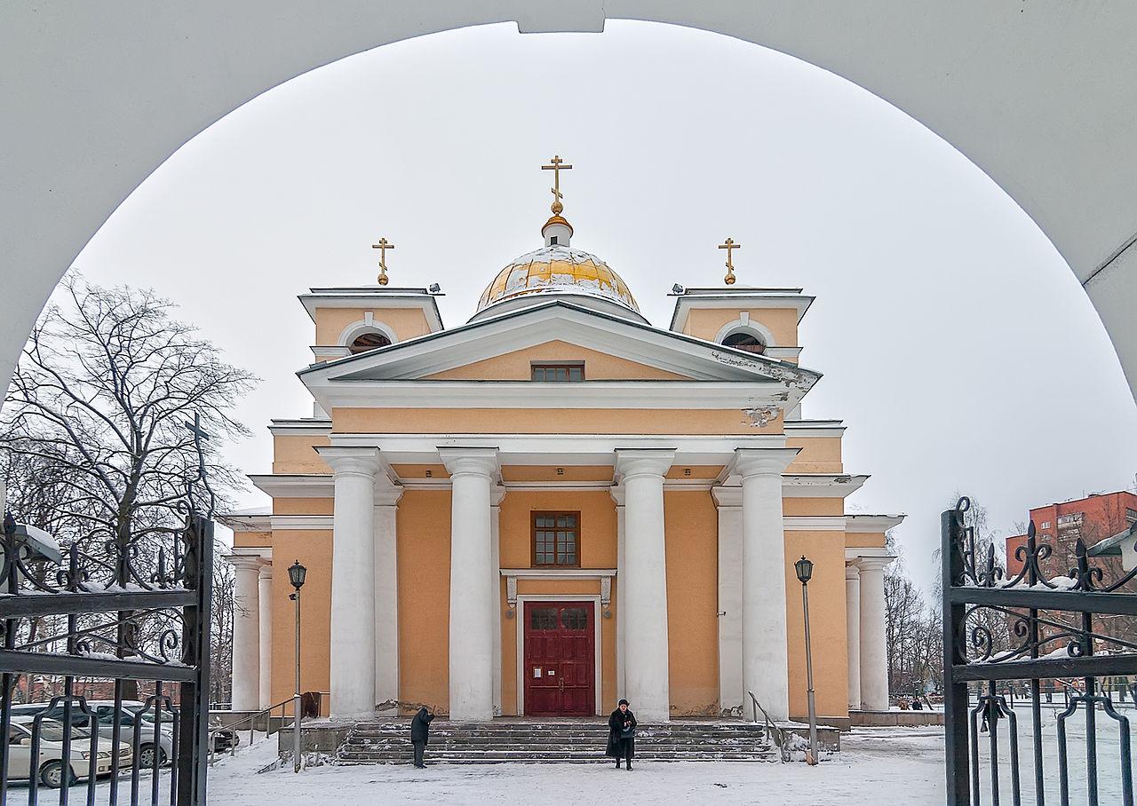 Собор Александра Невского в Петрозаводске, вход