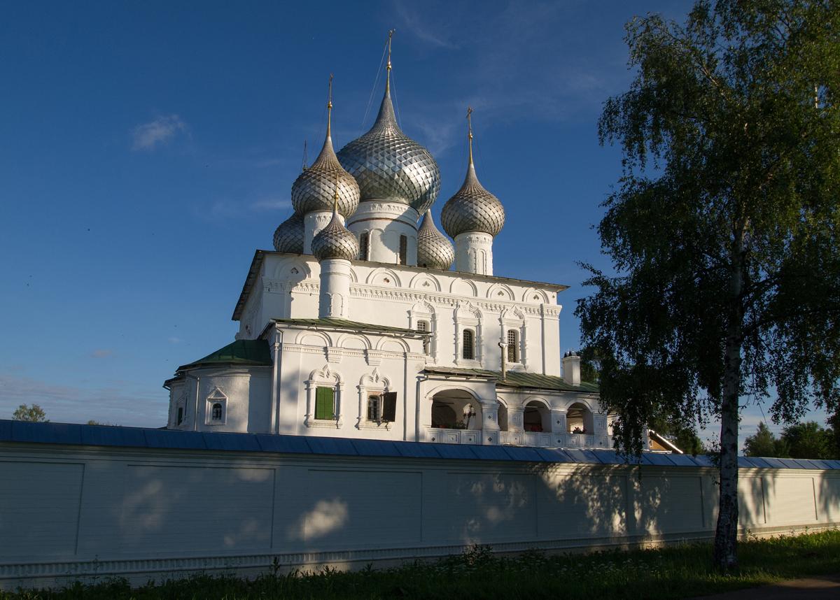 Виды Воскресенского монастыря в Угличе