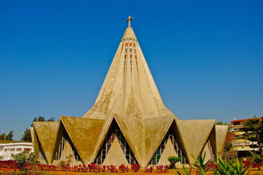 Необычная церковь, Мозамбик