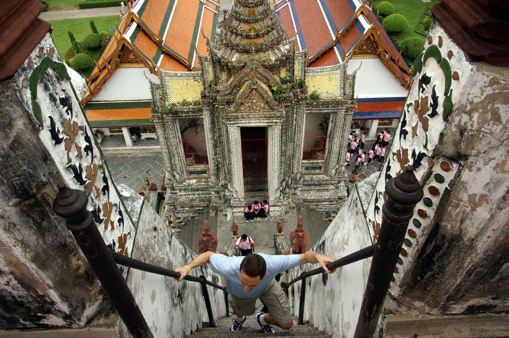 Храм Ват Арун, лестница