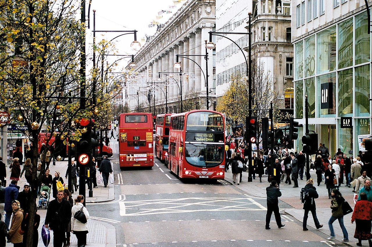 Оксфорд-стрит в Лондоне.