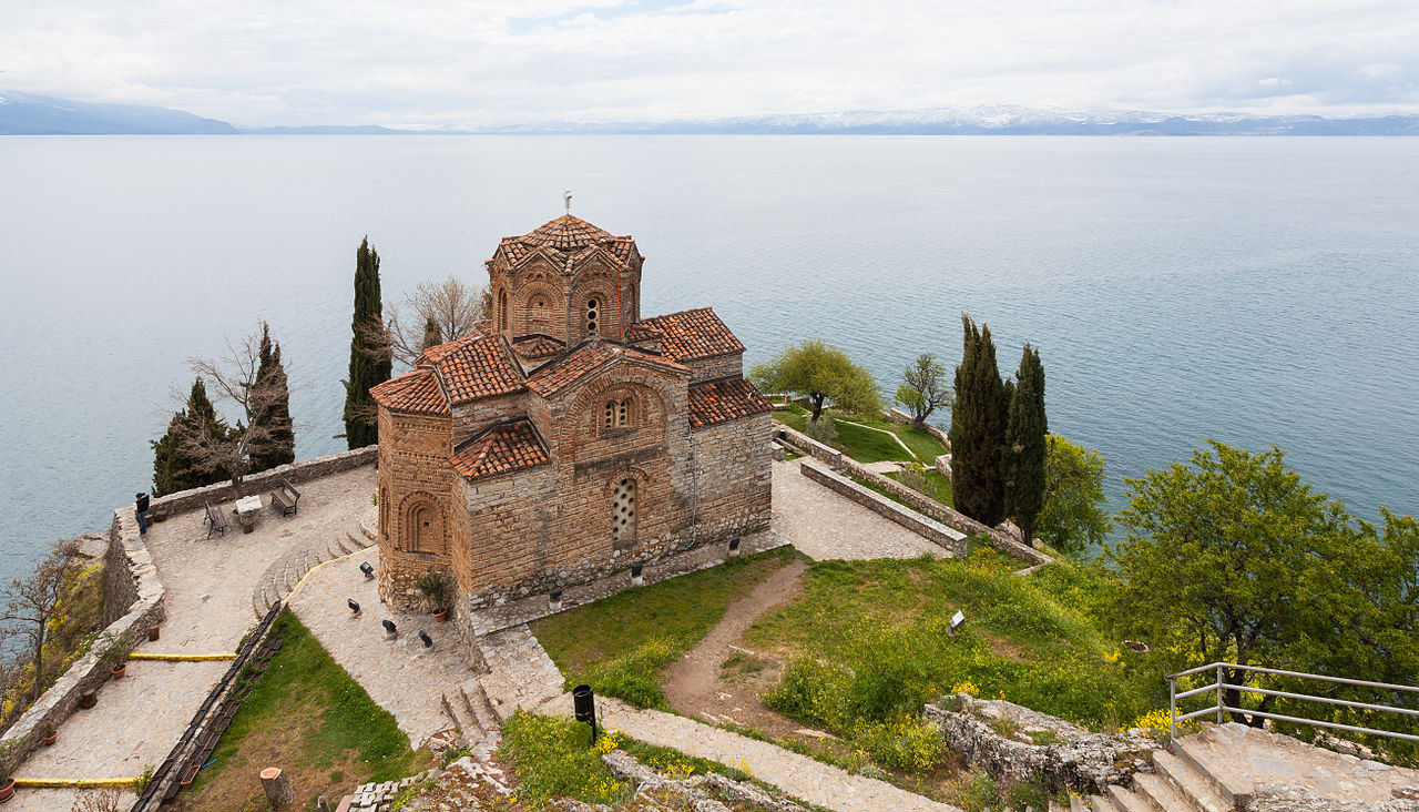 Церковь Св. Иоана Богослова над Охридским озером