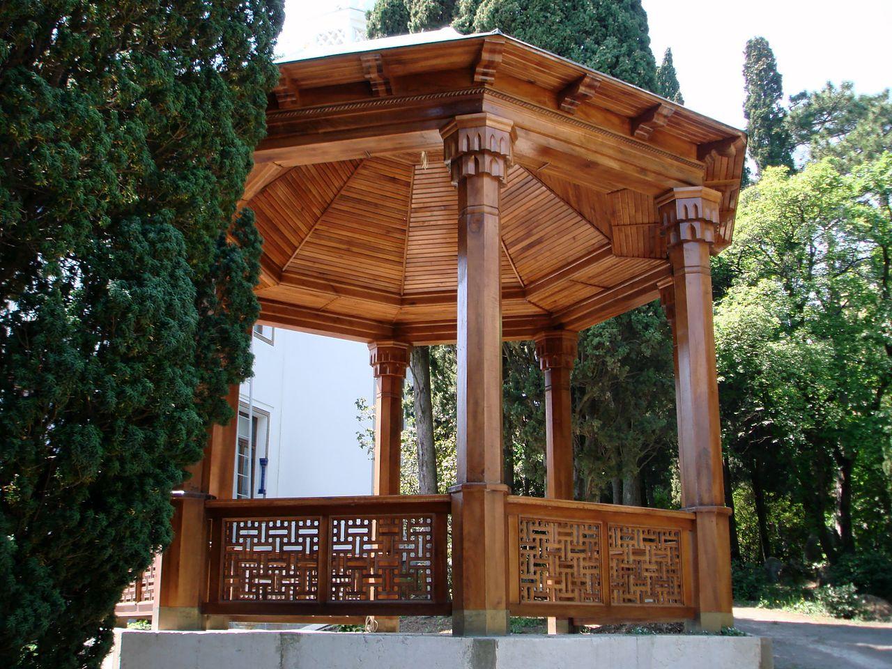 Беседка в саду дворца эмира Бухарского