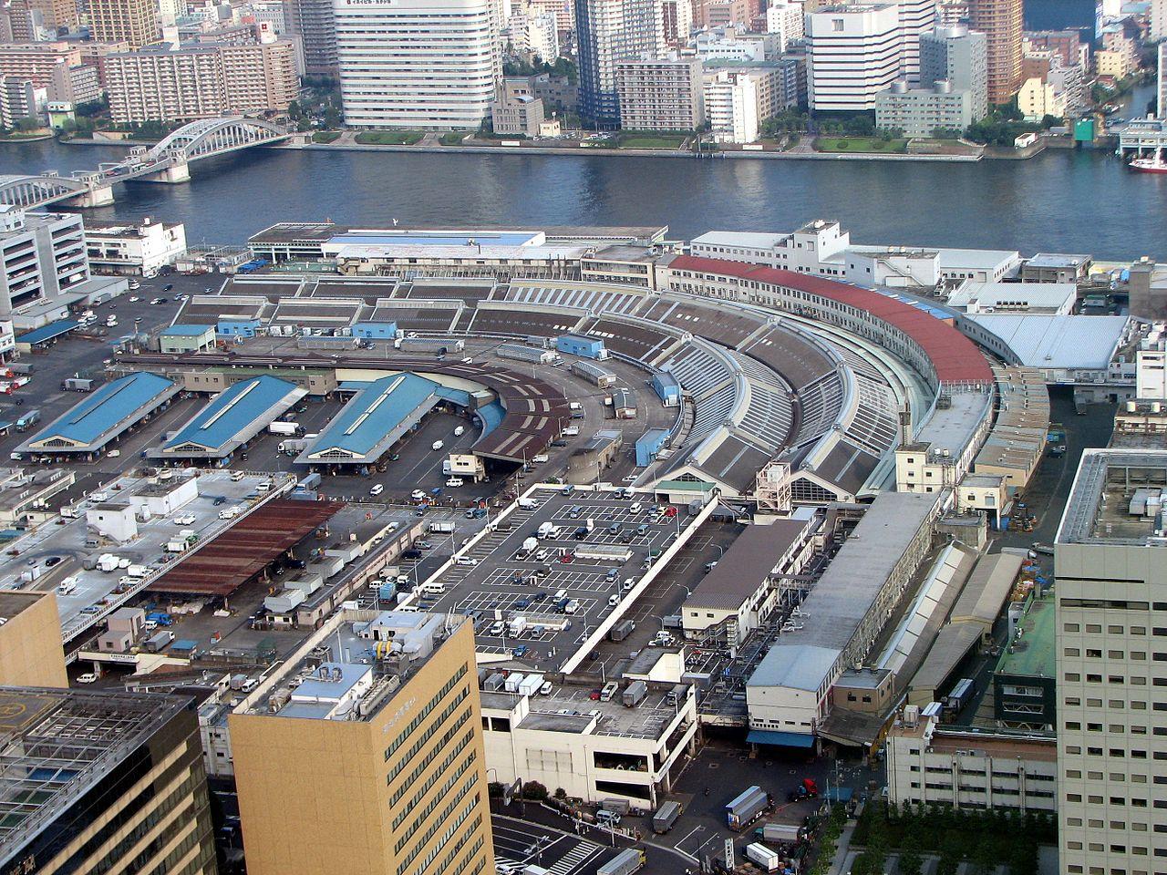 Вид на рыбный рынок Цукидзи