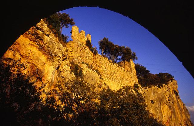 Замок Аларо, Майорка.jpg