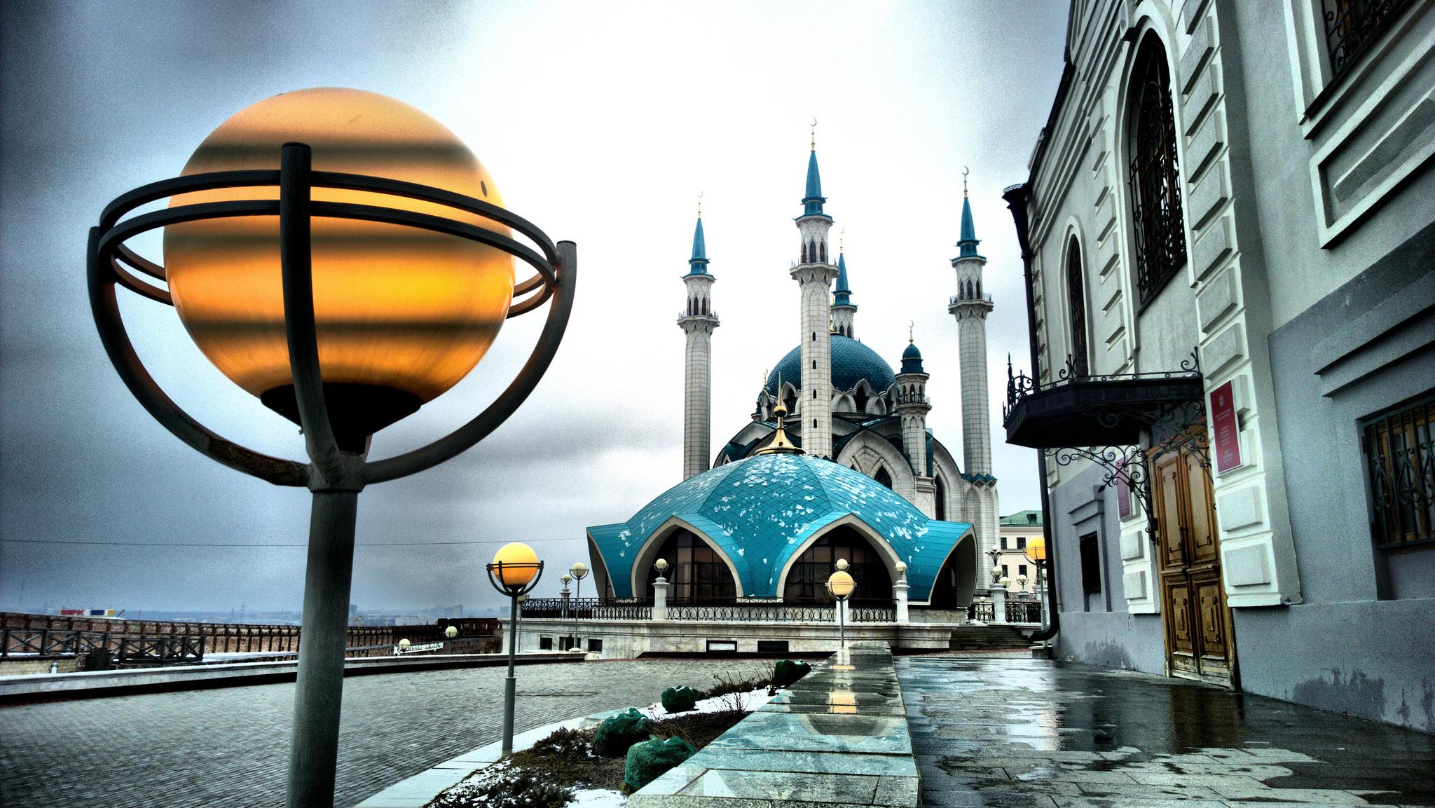 Кул-Шариф под дождем, Казань