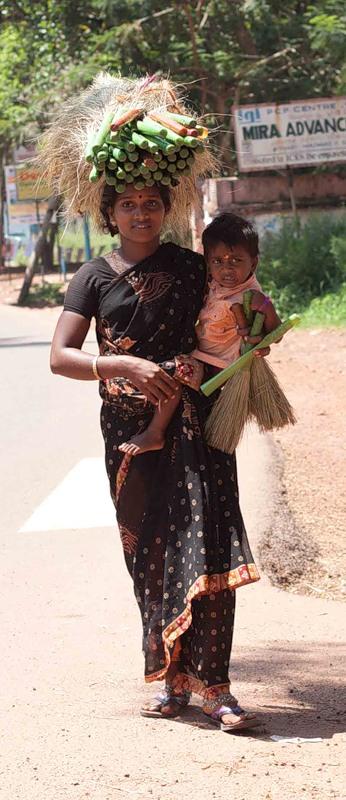 Молодая мама, Индия.jpeg