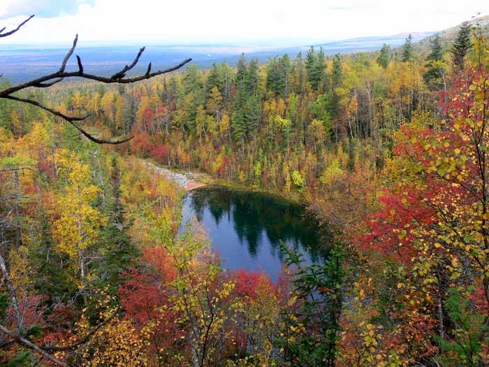 Озеро на реке Таборной, Вишерский заповедник, Россия