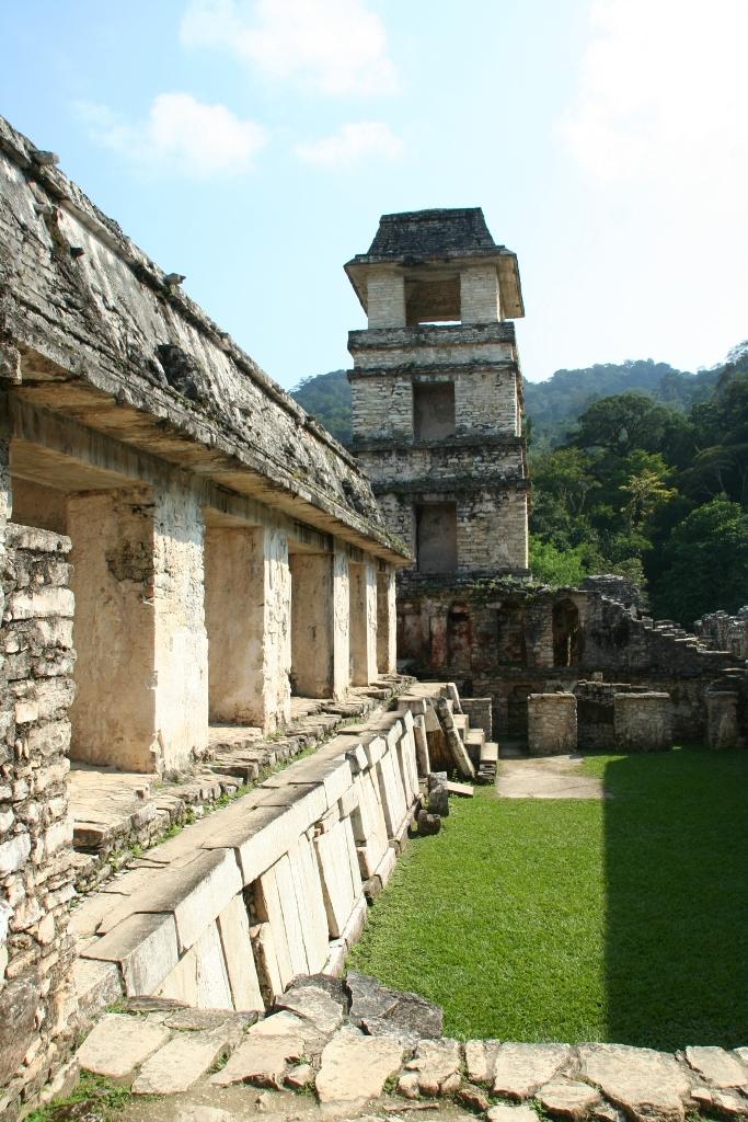 Города майя на северо-западе полуострова Юкатан, Ушмаль.JPG