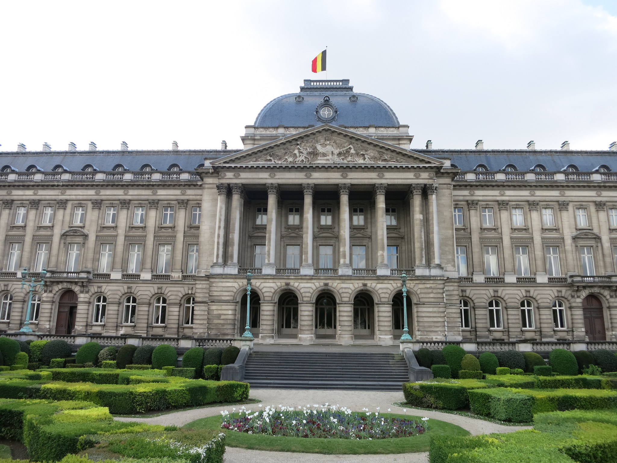 Королевский дворец в Брюсселе || Palais Royal de Bruxelles _дворец_в_Брюсселе%2C_фасад