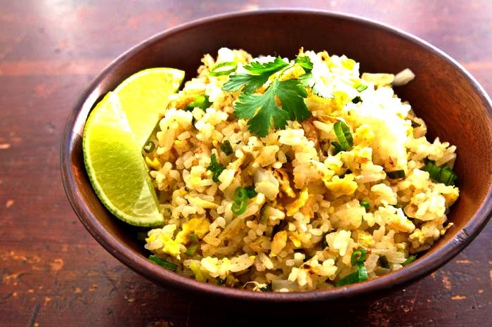 5 простых рецептов Таиланда Khao Phad.jpg