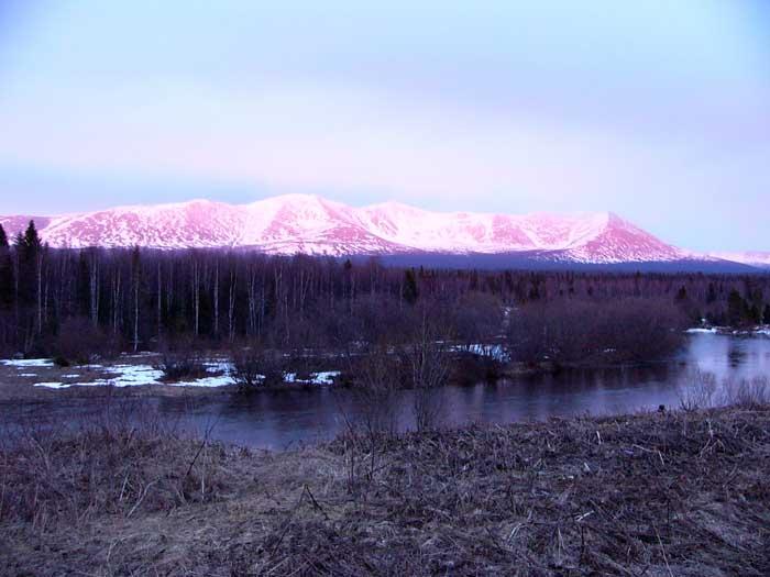 Вид на Тулымский хребет, Вишерский заповедник, Россия