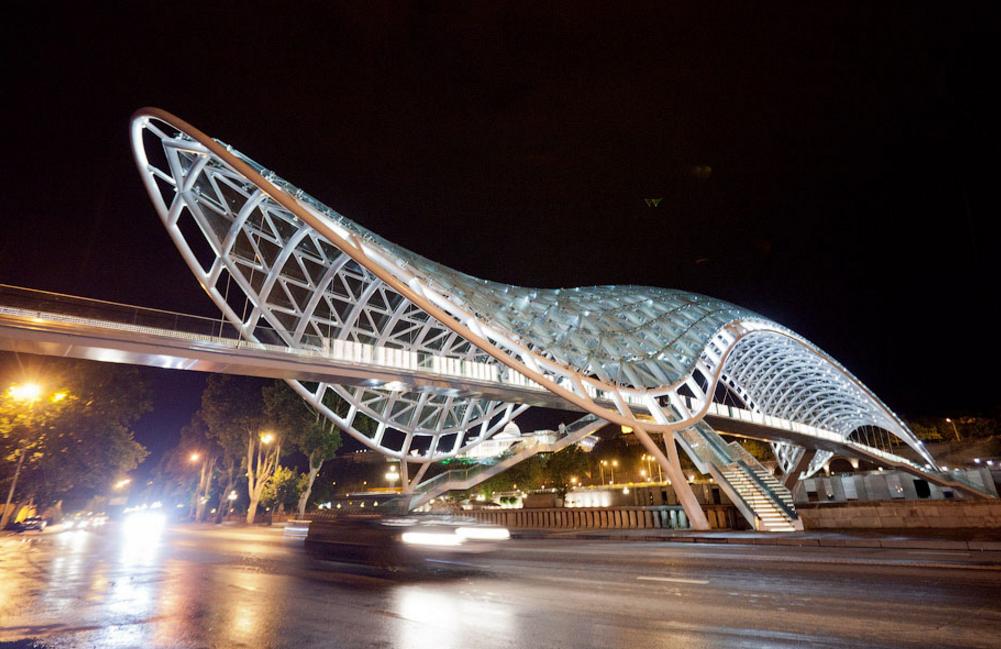 Вид на мост Мира, Тбилиси