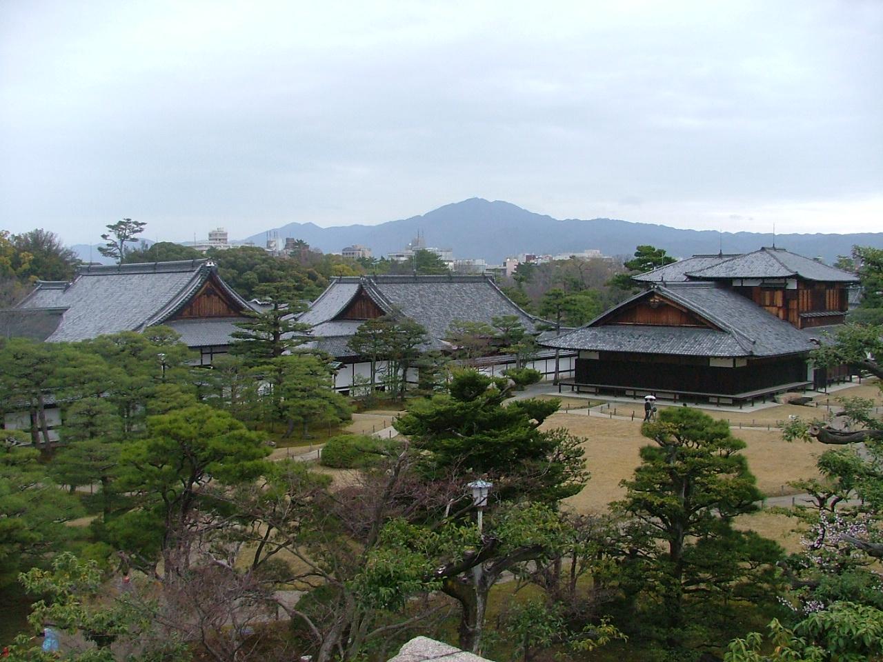 Вид на замок Нидзё в Киото