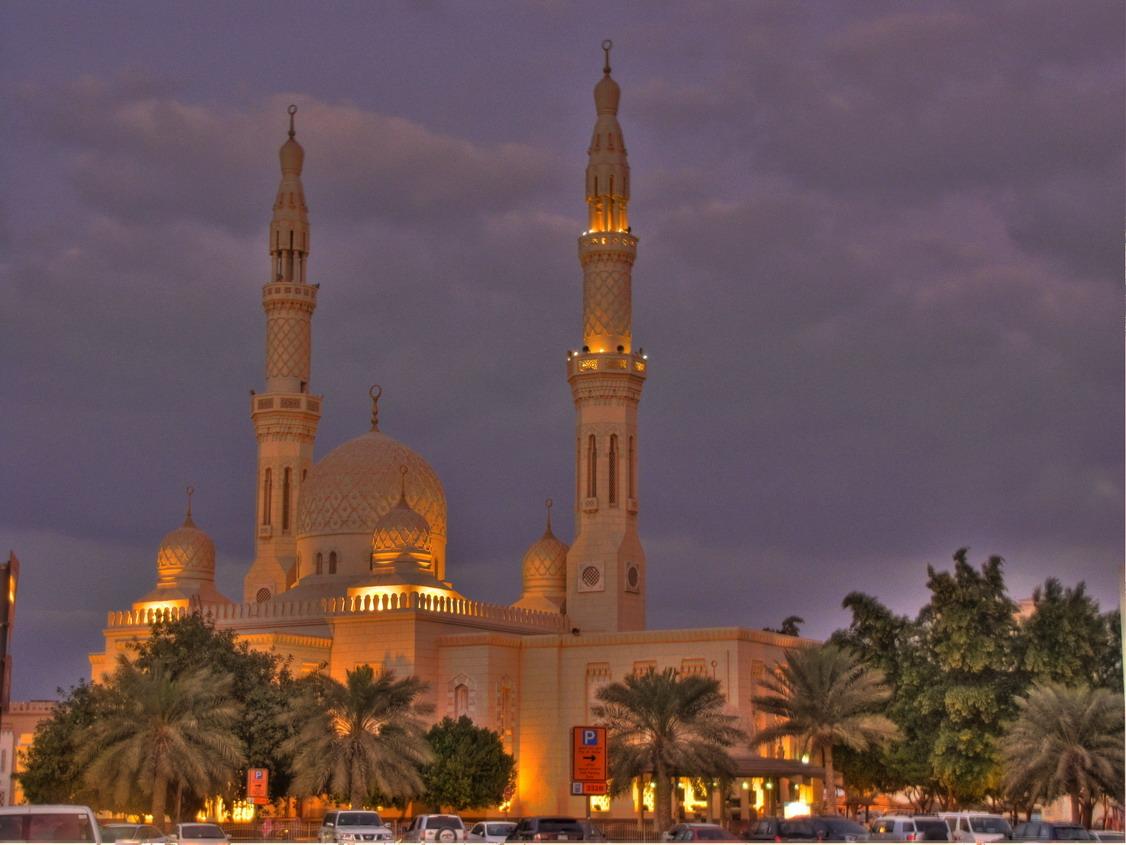 Мечеть Джумейра вечером