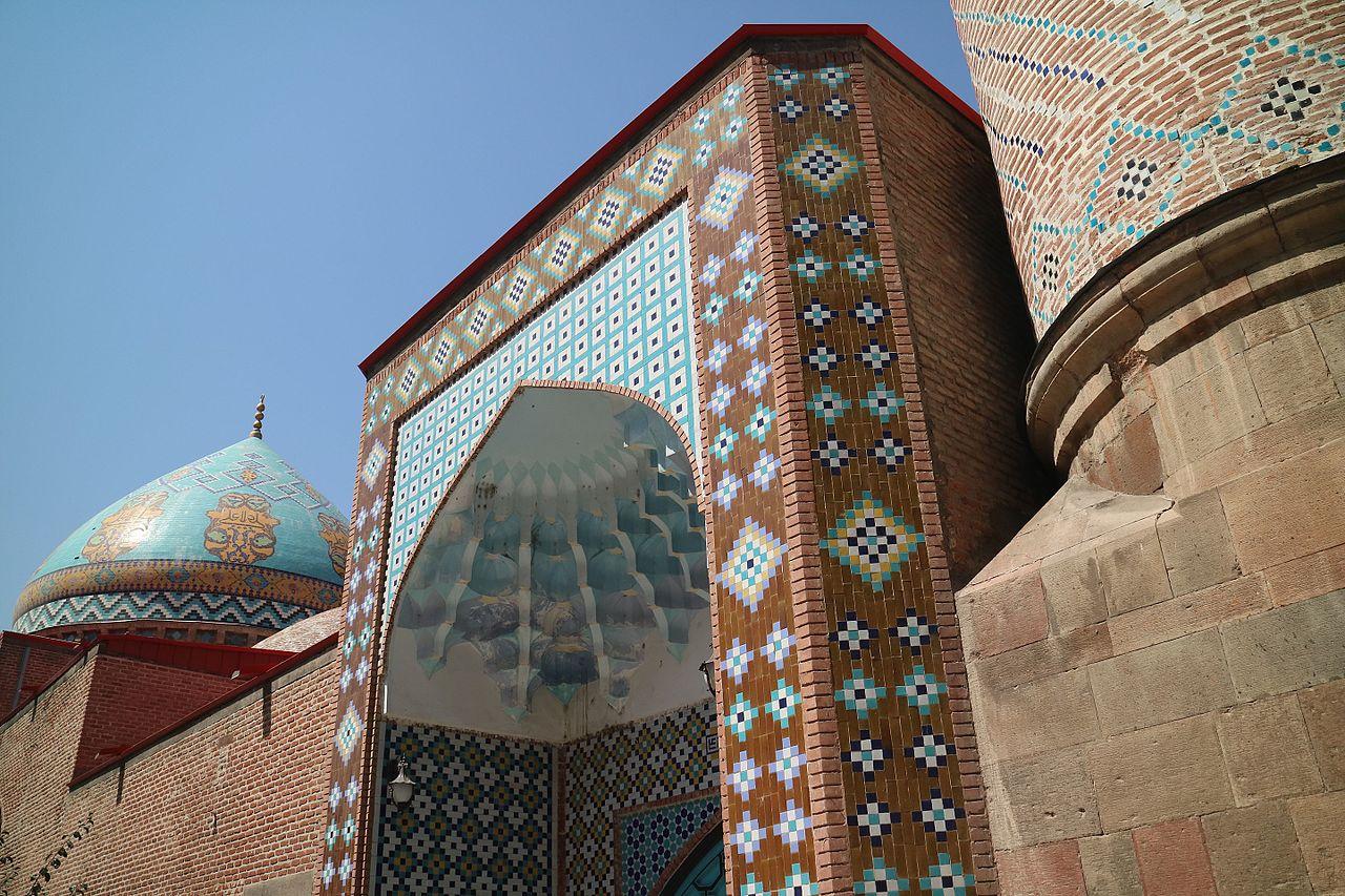 Боковой вид на Голубую мечеть, Ереван