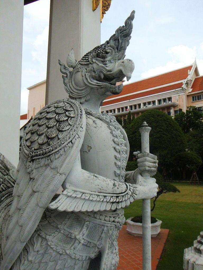 Национальный музей Бангкока, статуя охранника