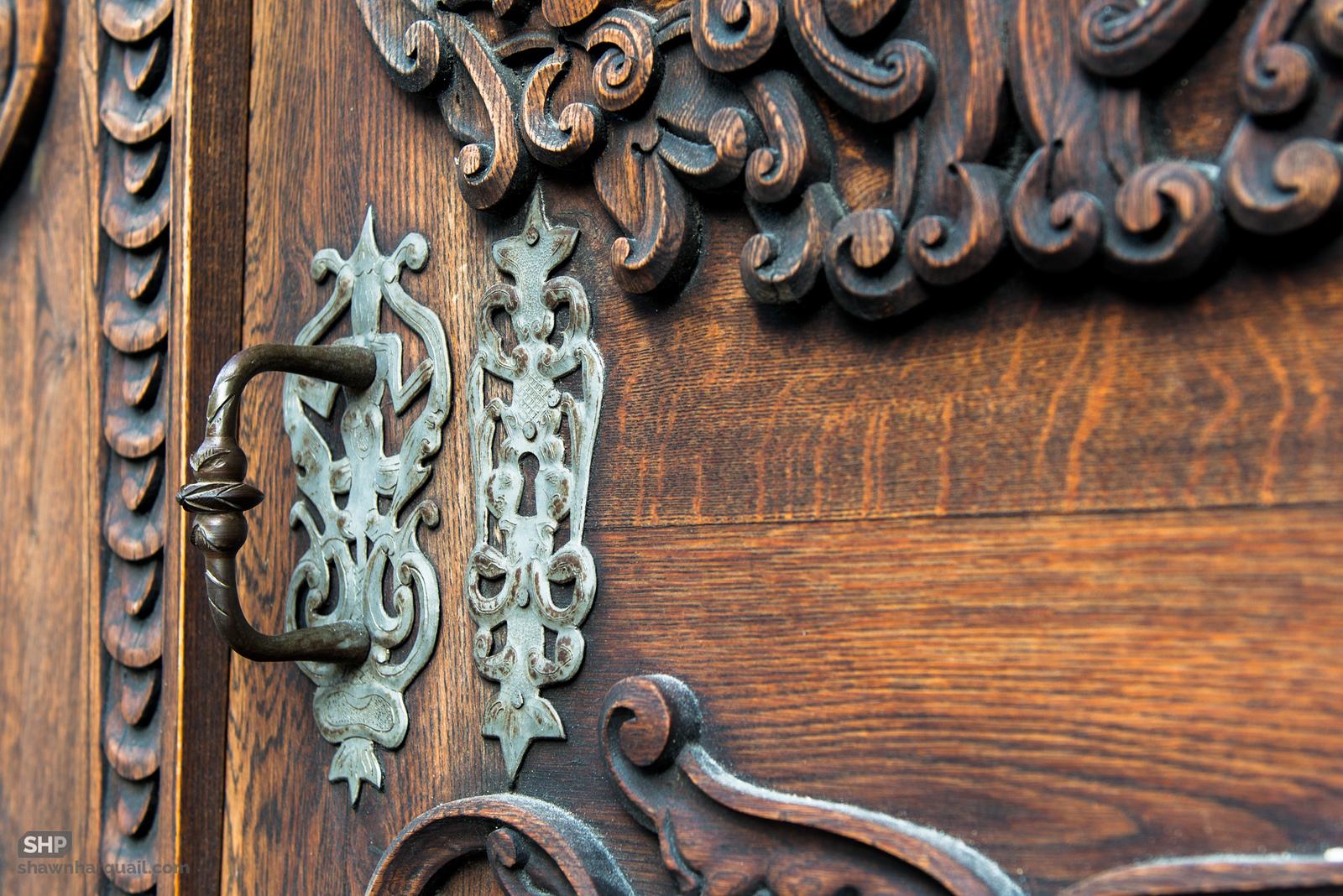 Дверь Старой ратуши Братиславы