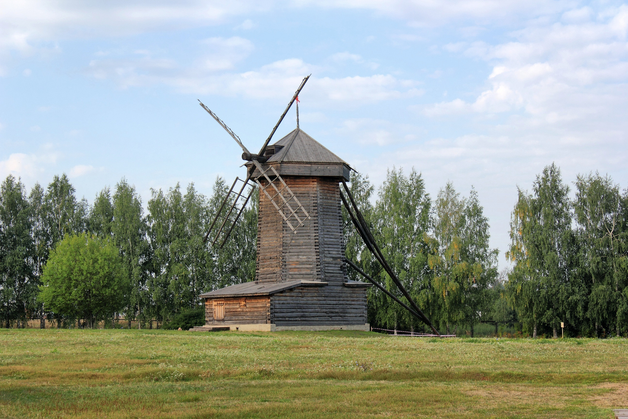 Музей деревянного зодчества в Суздале, ветряная шатровая мельница