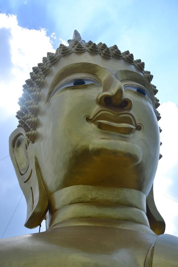 Большой Будда на холме в Паттайе