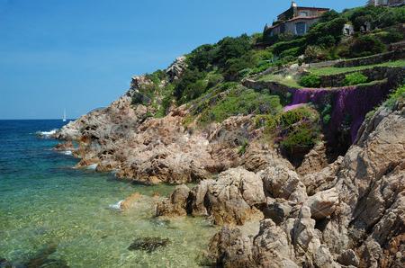 Скалистые берега Сардинии
